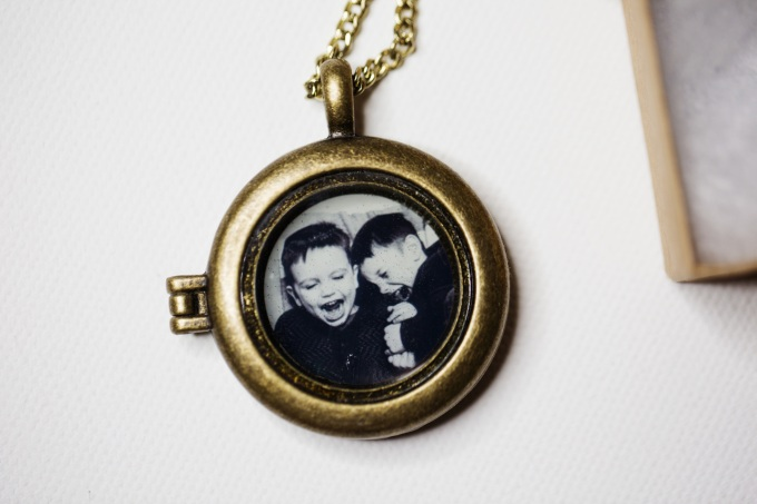 antique gold locket with photo inside